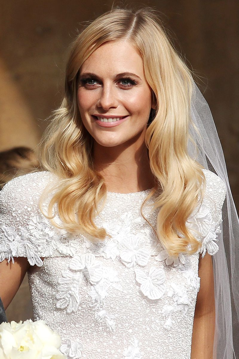 528890d251 52 Celebrity Wedding Beauty Looks - The Most Iconic Bridal Beauty Looks in  History