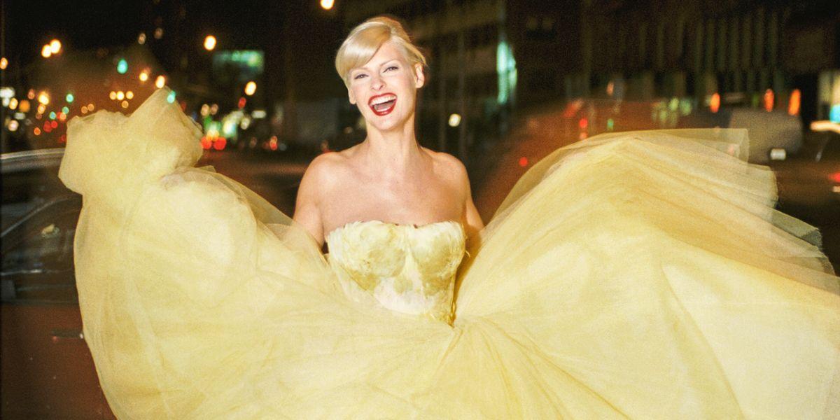 Linda Evangelista On Yellow Dior Dress Linda Evangelista