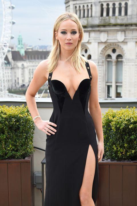03da906c348 Jennifer Lawrence Shuts Down Sexist Coverage of Versace Dress - J ...