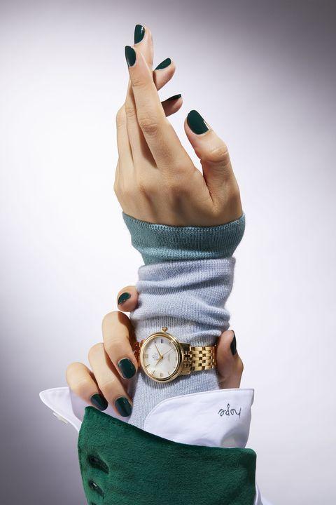 Finger, Nail, Wrist, Nail polish, Nail care, Manicure, Thumb, Gesture, Cosmetics, Artificial nails,