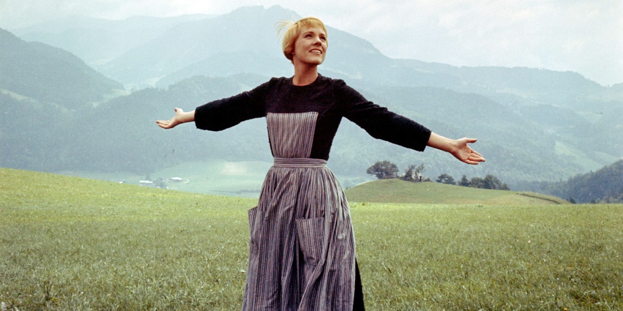 Julie Andrews On Filming Sound Of Music Julie Andrews Filmed Sound Of Music Hilltop Scene In The Rain