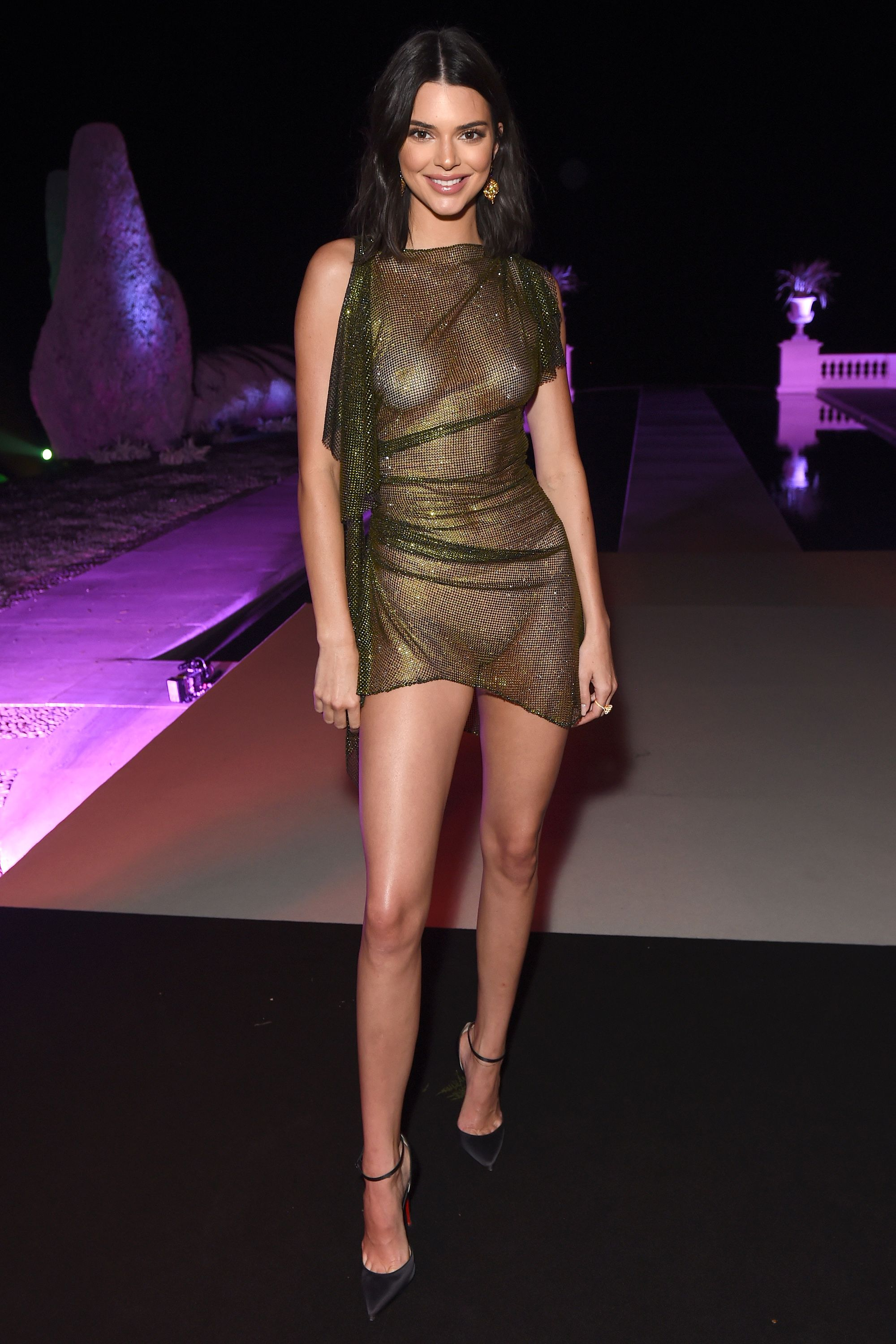 2deee75153 55 Sexiest Kardashian Jenner Outfits of All Time - Sexy Kardashian Jenner  Style