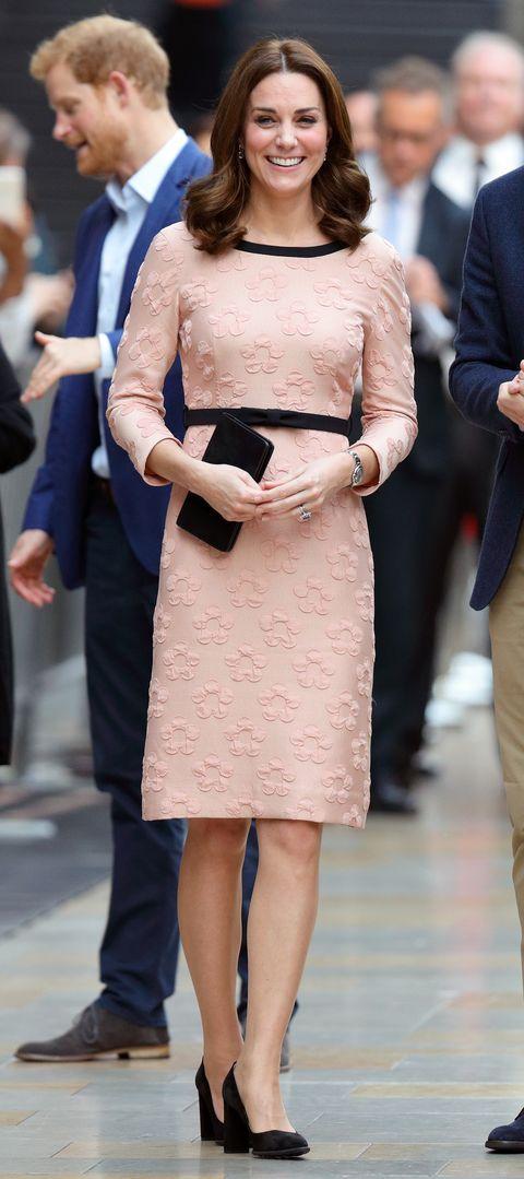 bbedf94f2cd Kate Middleton Baby Bump Photos - Kate Middleton Maternity Style ...