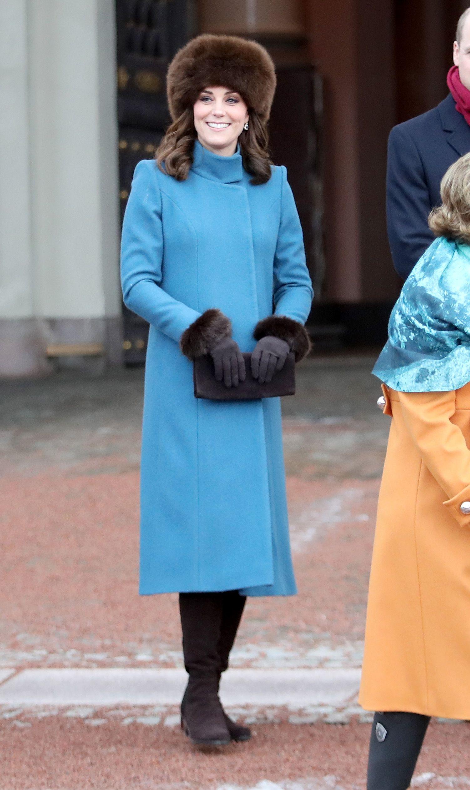 Kate Middleton Baby Bump Photos - Kate Middleton Maternity Style ...