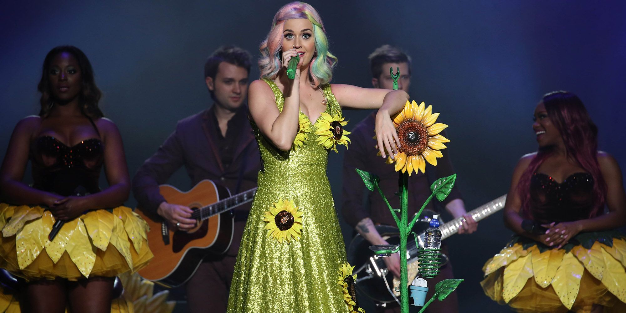 Katy Perry Reportedly Banned from China for Sunflower Dress - Katy ...