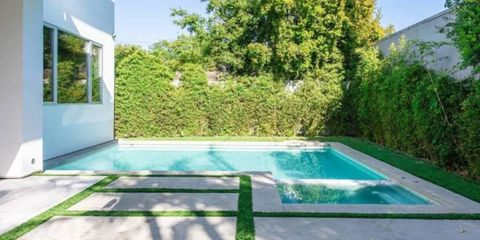 Property, Swimming pool, House, Grass, Real estate, Leisure, Building, Home, Villa, Backyard,