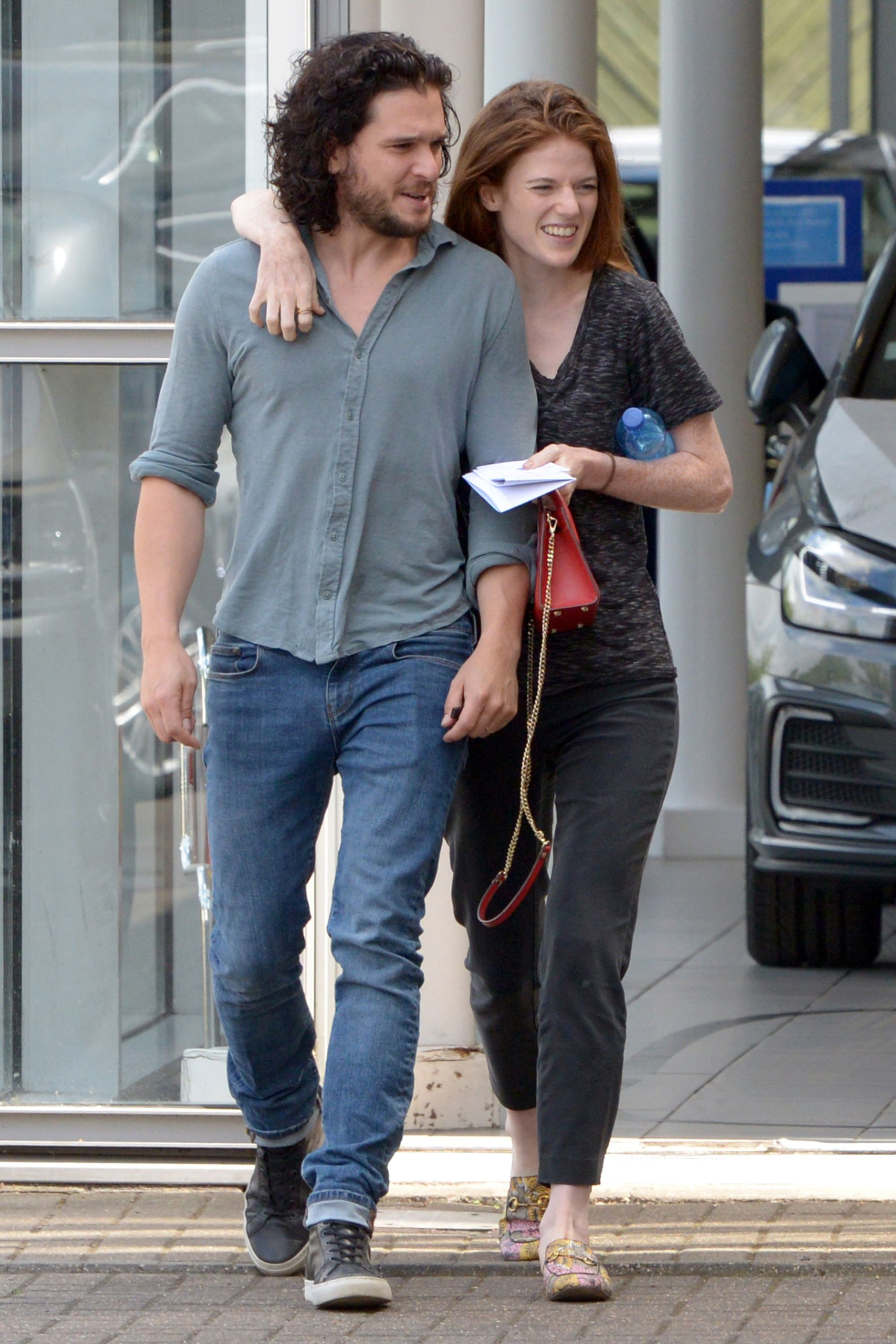 Kit Harington Wedding.Kit Harington And Rose Leslie Look So In Love During Their First