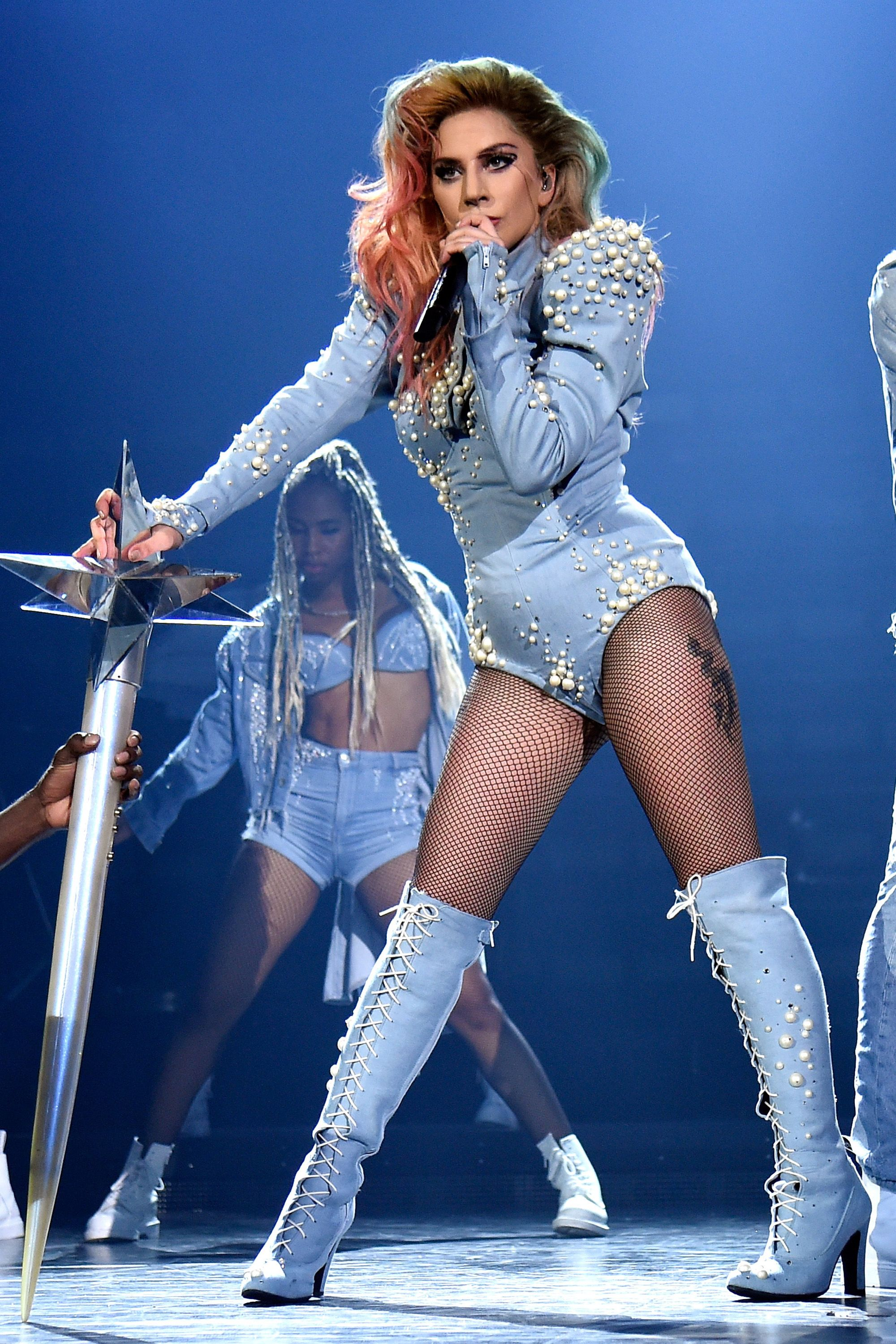 hbz-lady-gaga-tour-gettyimages-828995520