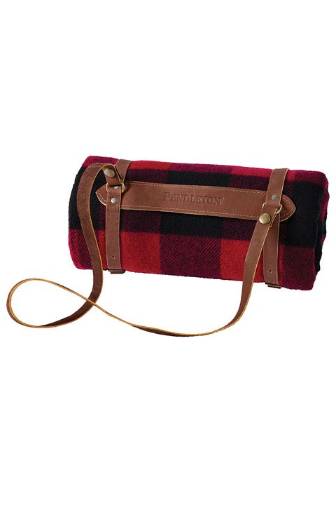 Bag, Handbag, Red, Maroon, Fashion accessory, Shoulder bag, Wristlet, Satchel, Luggage and bags, Beige,