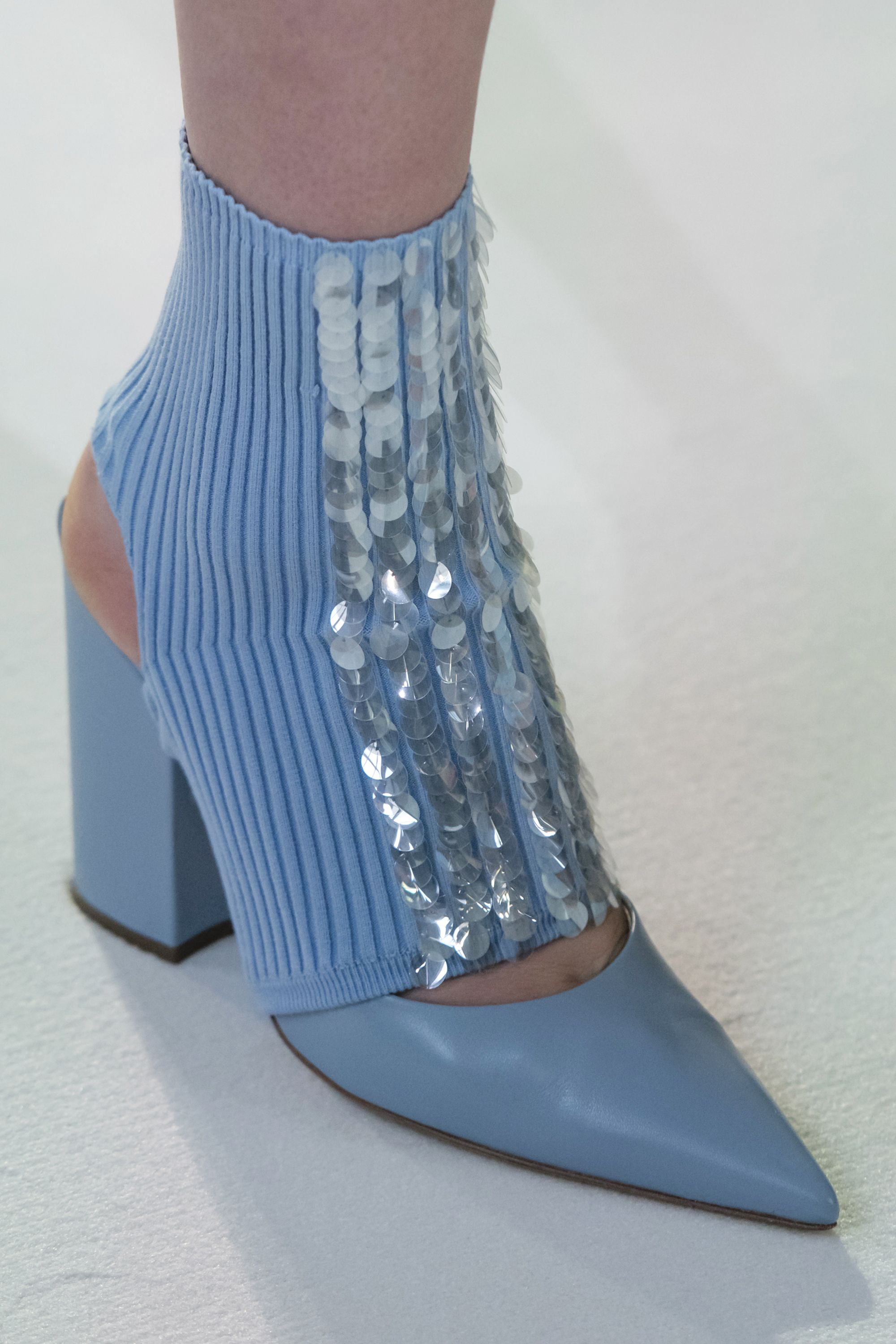 hbz-london-2018-shoe-trends-delpozo-clp-rf18-0435-1519162266.jpg (2000×3000)