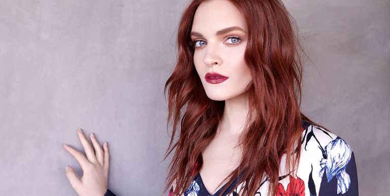 Madeline Brewer Talks About The Handmaid S Tale Janine