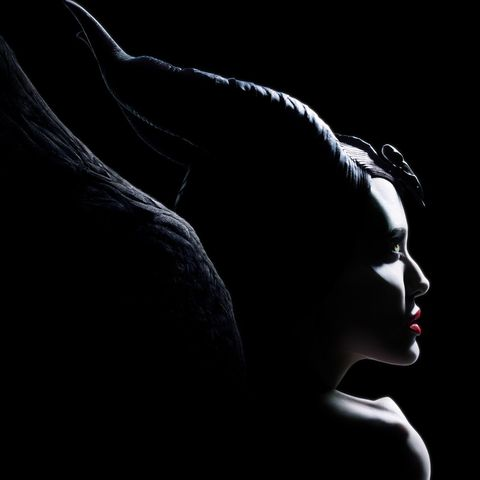 Angelina Jolie Is Stunning In The Maleficent Mistress Of