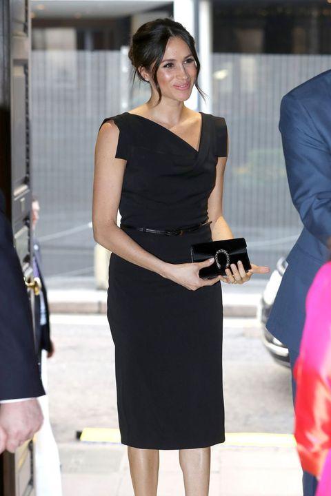 Clothing, Dress, Shoulder, Little black dress, Fashion model, Cocktail dress, Fashion, Hairstyle, Leg, Footwear,