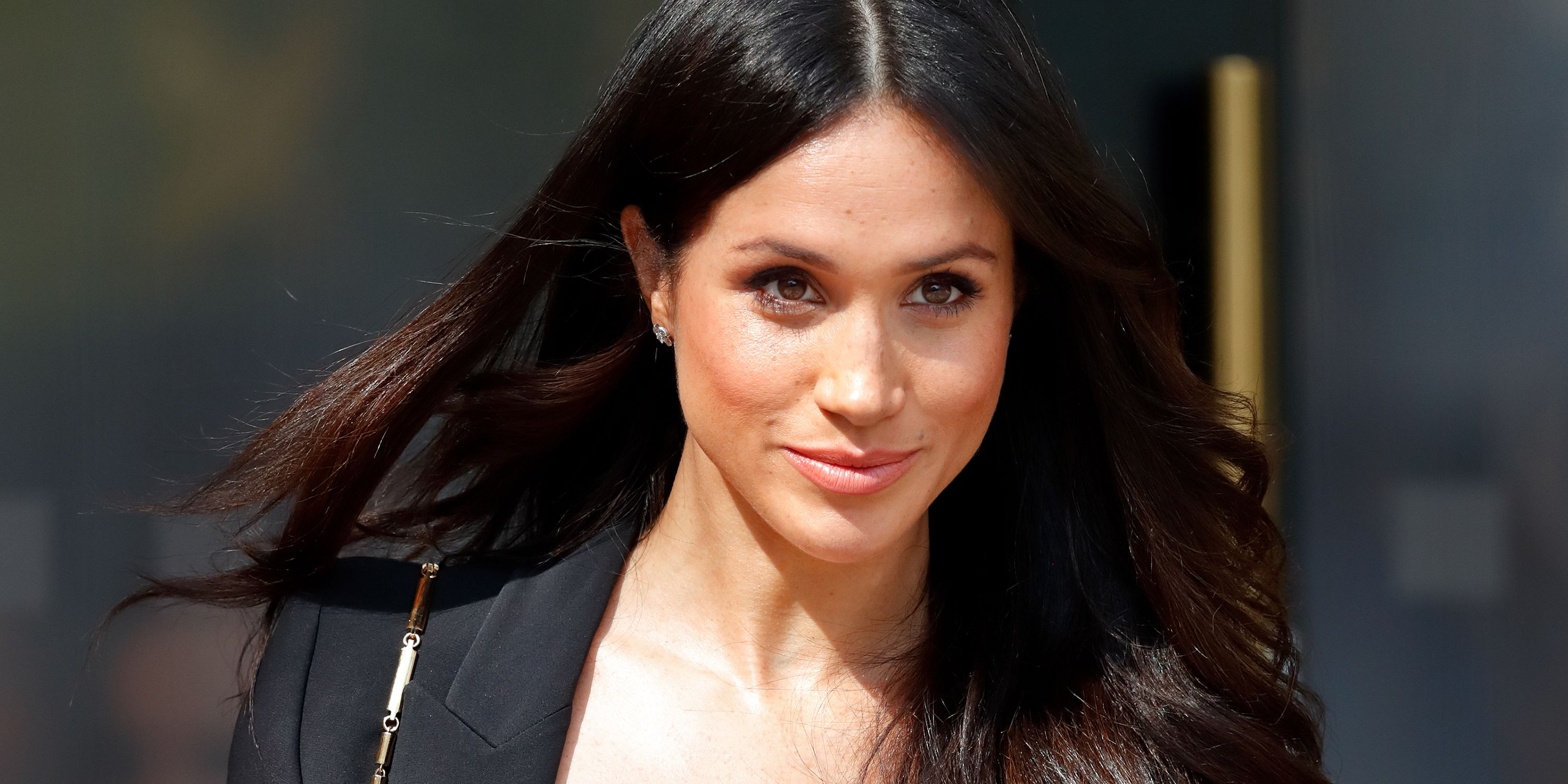 Is Meghan Markle Really a Robot in This Video? - Meghan