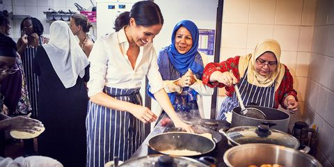 Meghan Duchess of Sussex in the Hubb Community Kitchen at the Al Manaar Muslim Cultural Heritage Centre, London, UK - Sep 2018