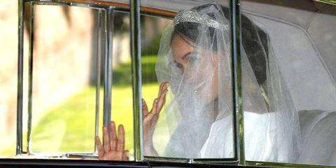 Transparent material, Veil, Reflection, Glass, Window, Bride, Bridal veil, Bridal accessory, Fashion accessory,