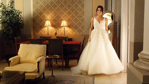 See Meghan Markle\'s Suits Wedding Dress in New Photos of Season 7