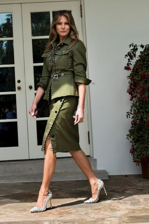Clothing, Leg, Sleeve, Shoe, Human leg, Shoulder, Joint, Outerwear, Waist, Flowerpot,