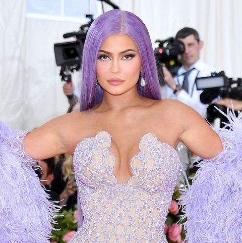 Purple, Clothing, Gown, Dress, Lavender, Fashion, Violet, Shoulder, Haute couture, Beauty,