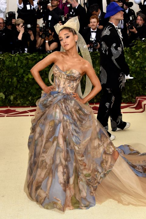 Gown, Dress, Clothing, Fashion model, Fashion, Red carpet, Carpet, Hairstyle, Strapless dress, Haute couture,