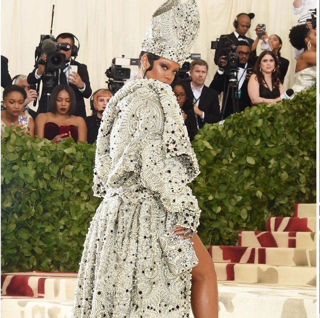 854c00aad5 42 Craziest Met Gala Dresses of All Time - Outrageous Met Gala Red ...