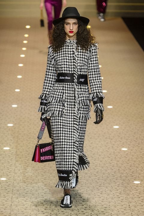 Fashion model, Fashion, Fashion show, Runway, Clothing, Street fashion, Tartan, Pattern, Waist, Plaid,