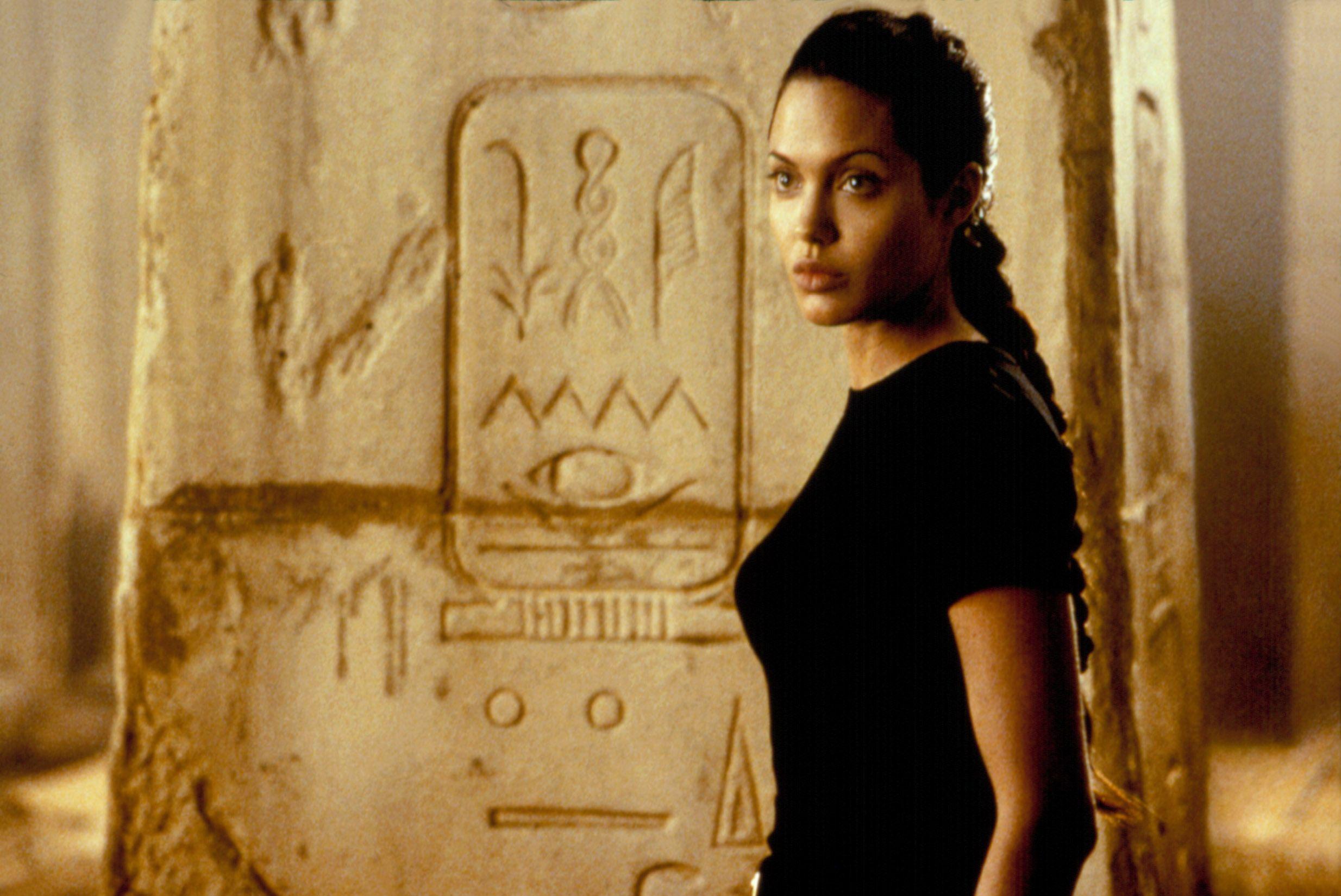 LARA CROFT: TOMB RAIDER, Angelina Jolie, 2001