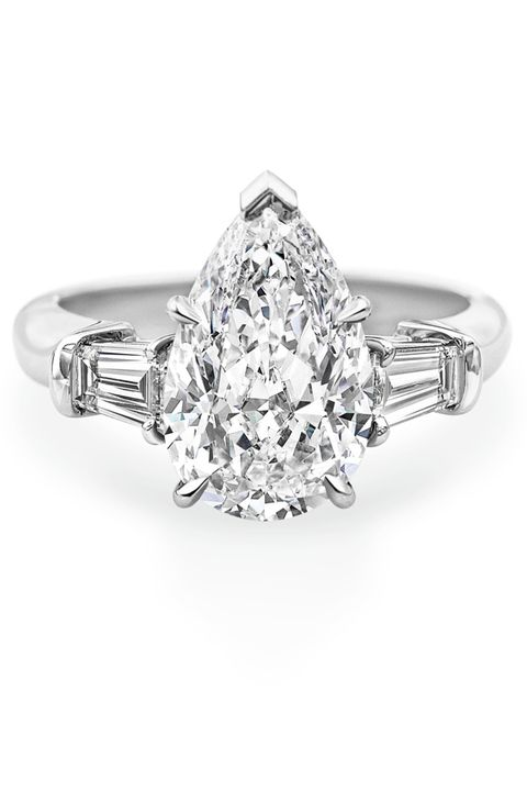 26 Best Pear Cut Diamond Engagement Rings For Romantic Proposals 2018