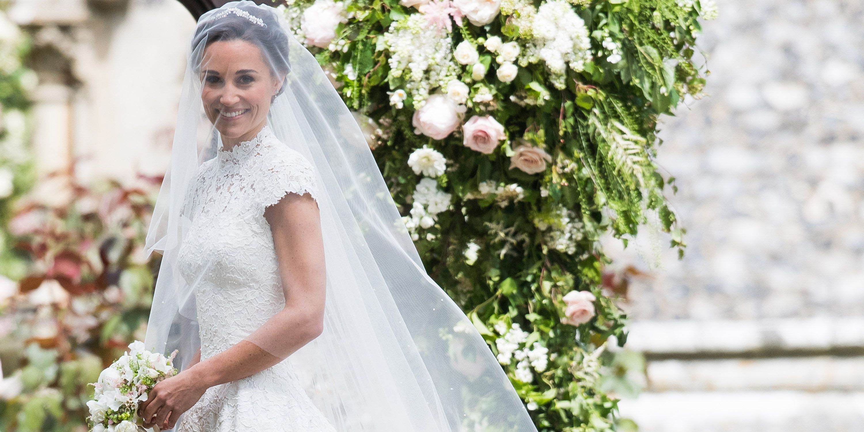 Pippa Middleton S Wedding Dress Giles Deacon Designs Pippa