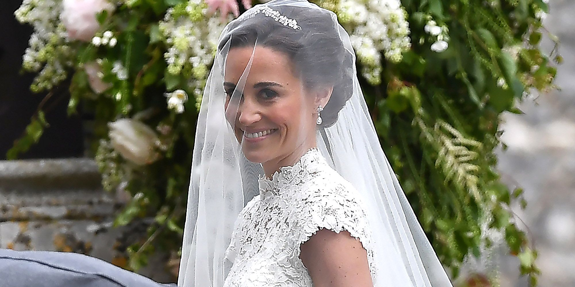 Pippa Middleton Wedding Jewelry  Pippa Middleton Wore The Same Earrings  She Wore To The Royal Wedding Down The Aisle