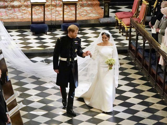 The Story Of Meghan Markle S Wedding Dress