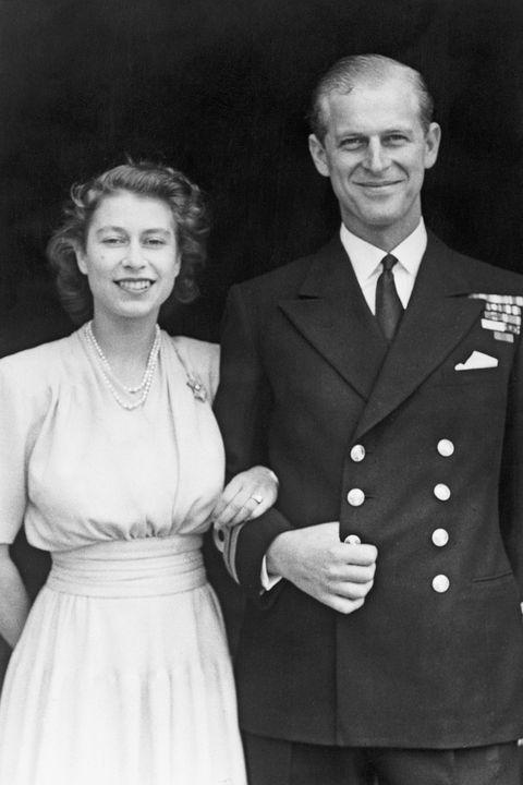 菲利普親王辭世享耆壽99歲,英國王室公開官方消息哀悼