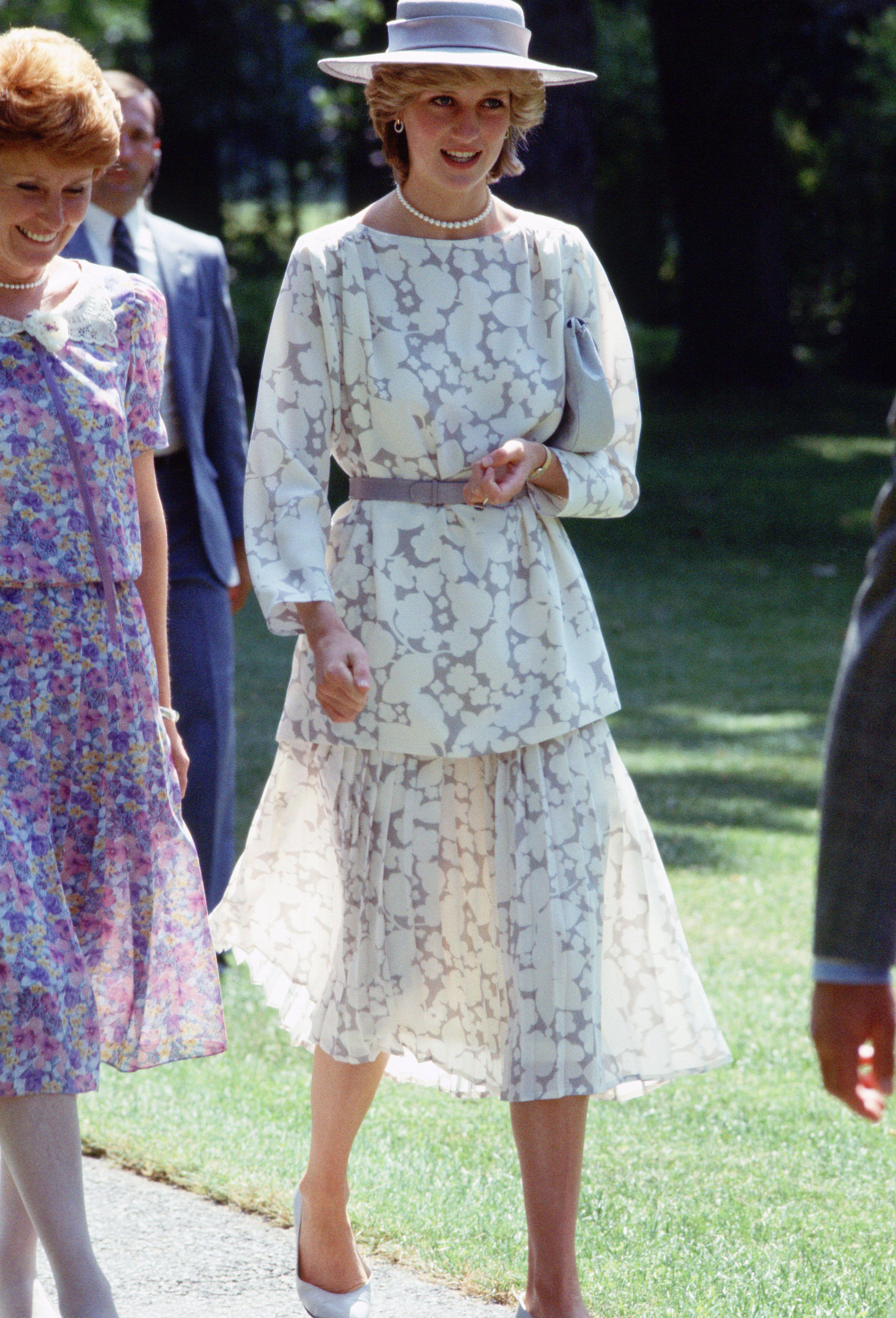 princess diana s best fashion moments harper s bazaar