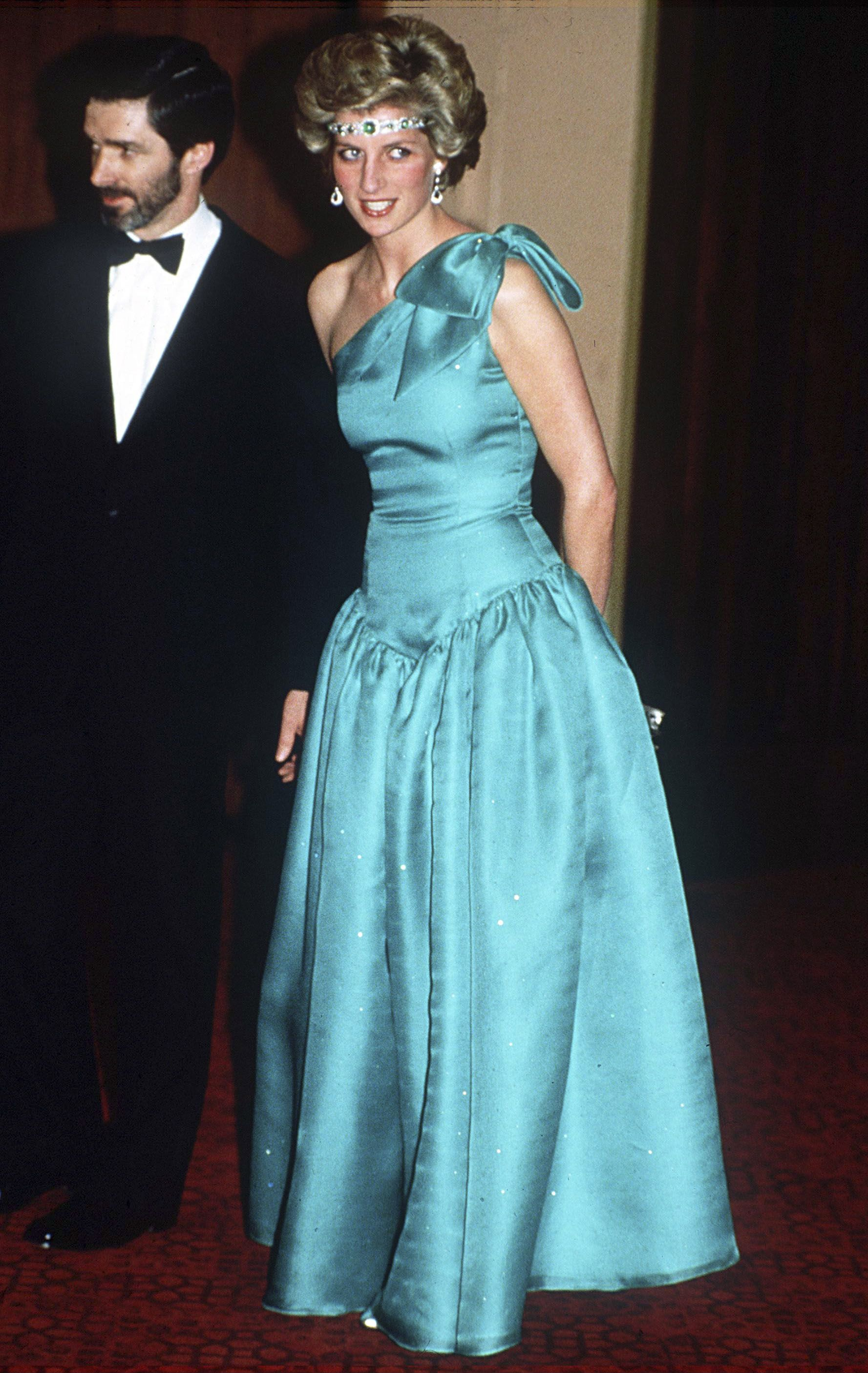 Princess Diana\'s Best Fashion Moments - Princess Di\'s Style Timeline