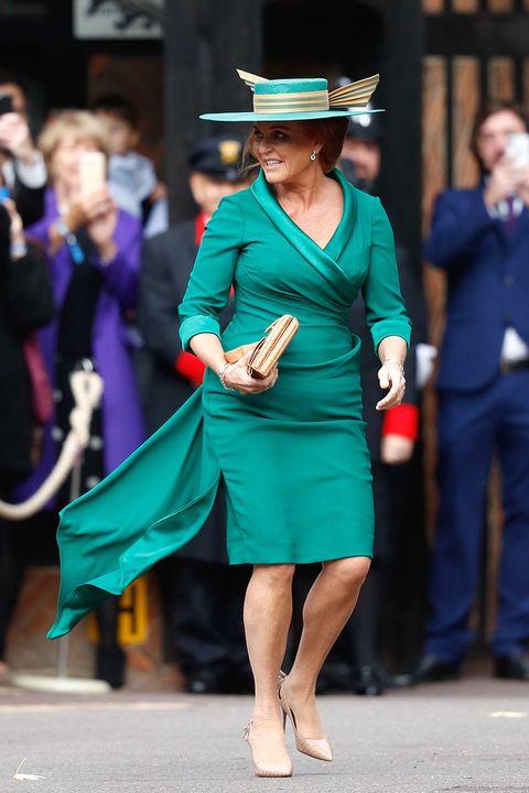 Green, Clothing, Fashion, Dress, Street fashion, Leg, Footwear, Human leg, Event, Headgear,