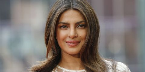 See Priyanka Chopra S Stunning Engagement Ring