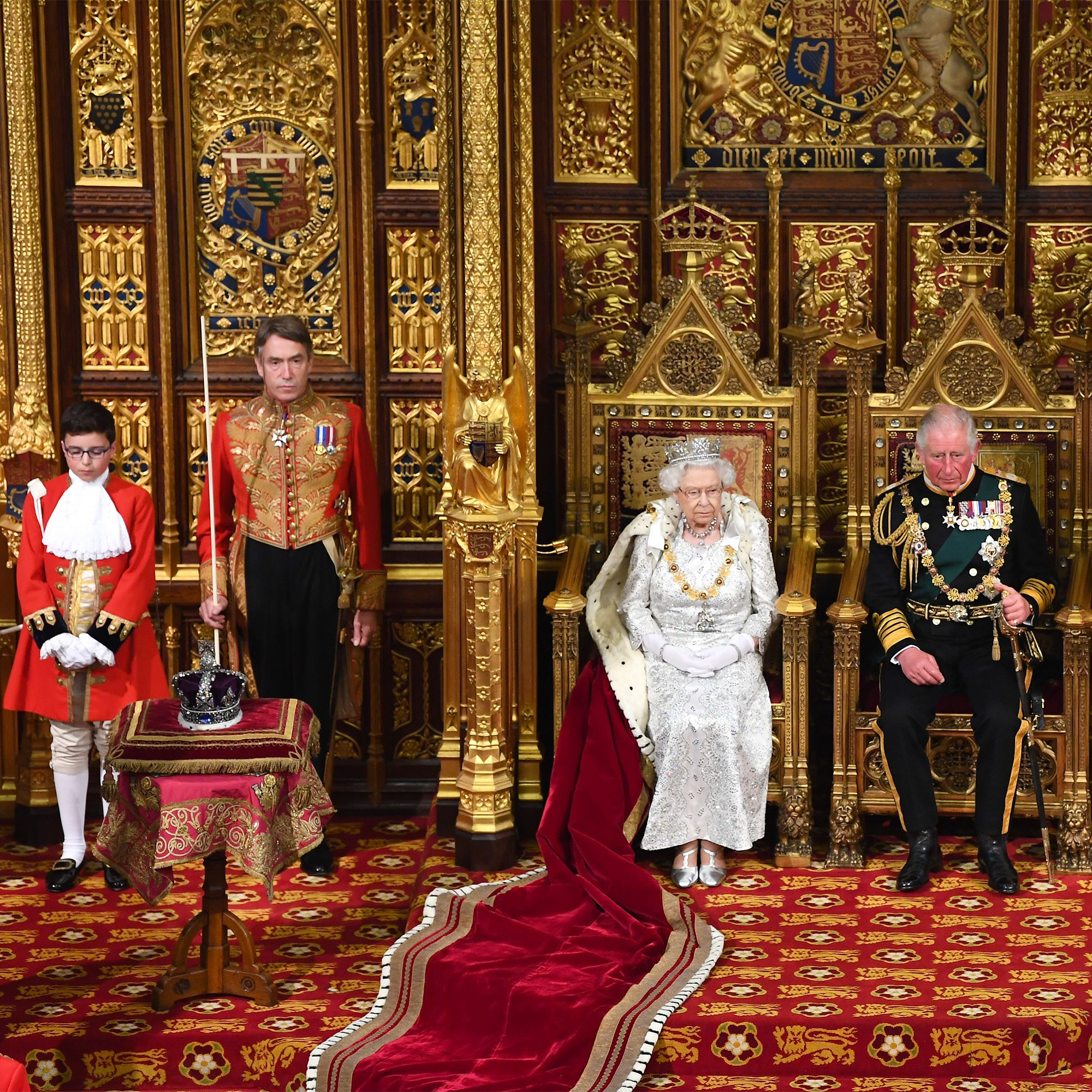Why Didn't Queen Elizabeth II Wear the Imperial State Crown for the Queen's Speech?