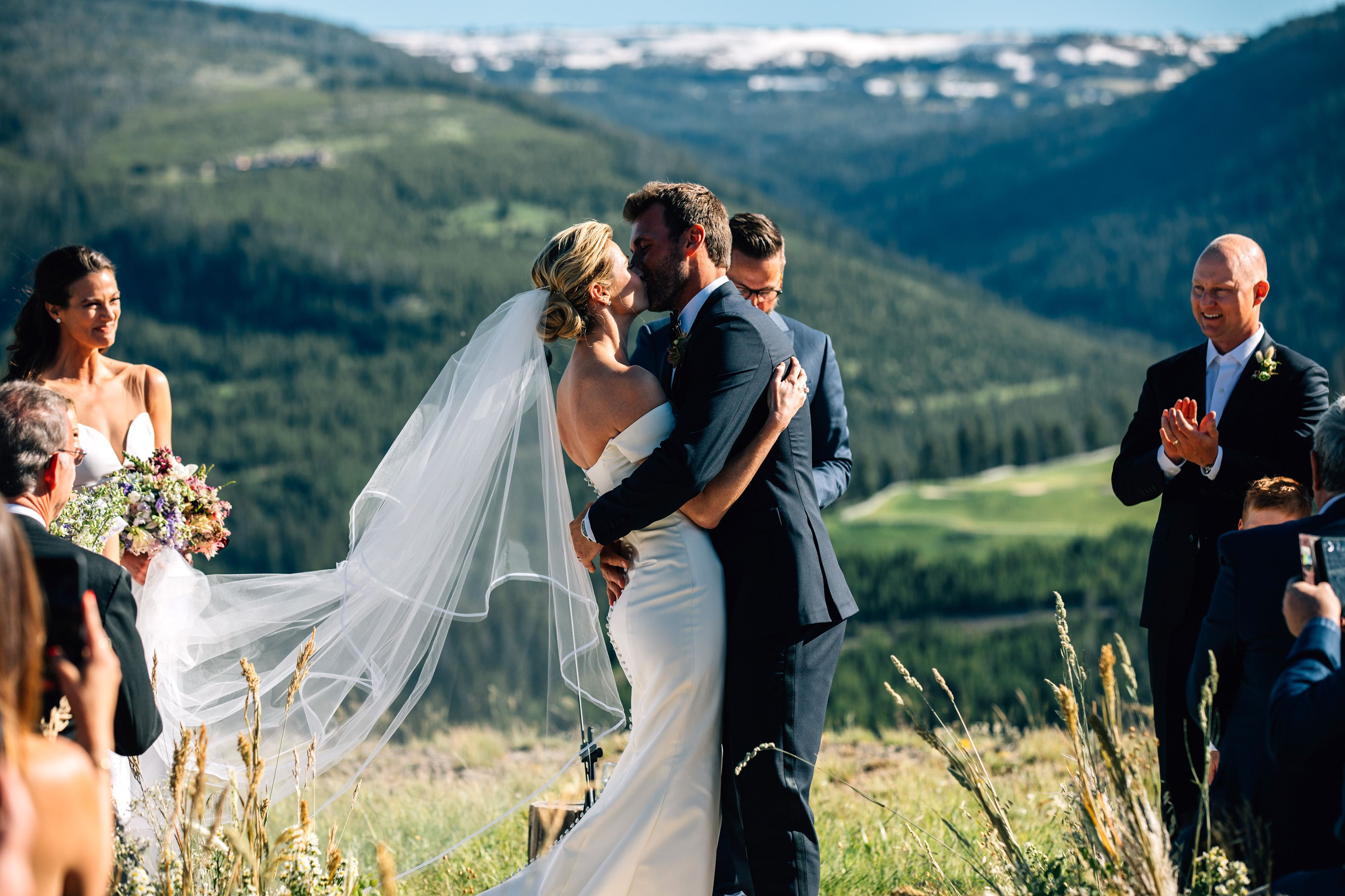 Erin Andrews And Jarret Stoll S Wedding In The Mountains Erin