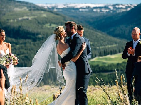Exclusive Erin Andrews And Jarret Stoll S Mountain Top Wedding In Montana