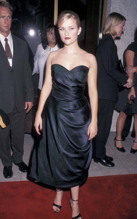 Dress, Clothing, Shoulder, Fashion model, Carpet, Joint, Strapless dress, Cocktail dress, Fashion, Satin,