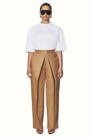 watch 131fe 4514f Rihanna Fenty Fashion Brand LVMH - Rihanna First Fenty ...
