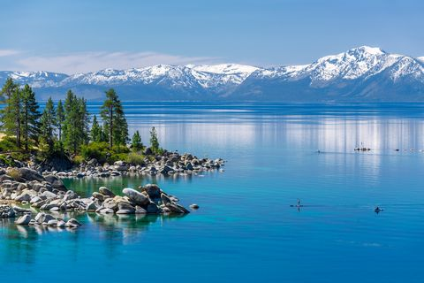 Body of water, Natural landscape, Nature, Lake, Mountain, Glacial lake, Wilderness, Water, Sky, Sound,