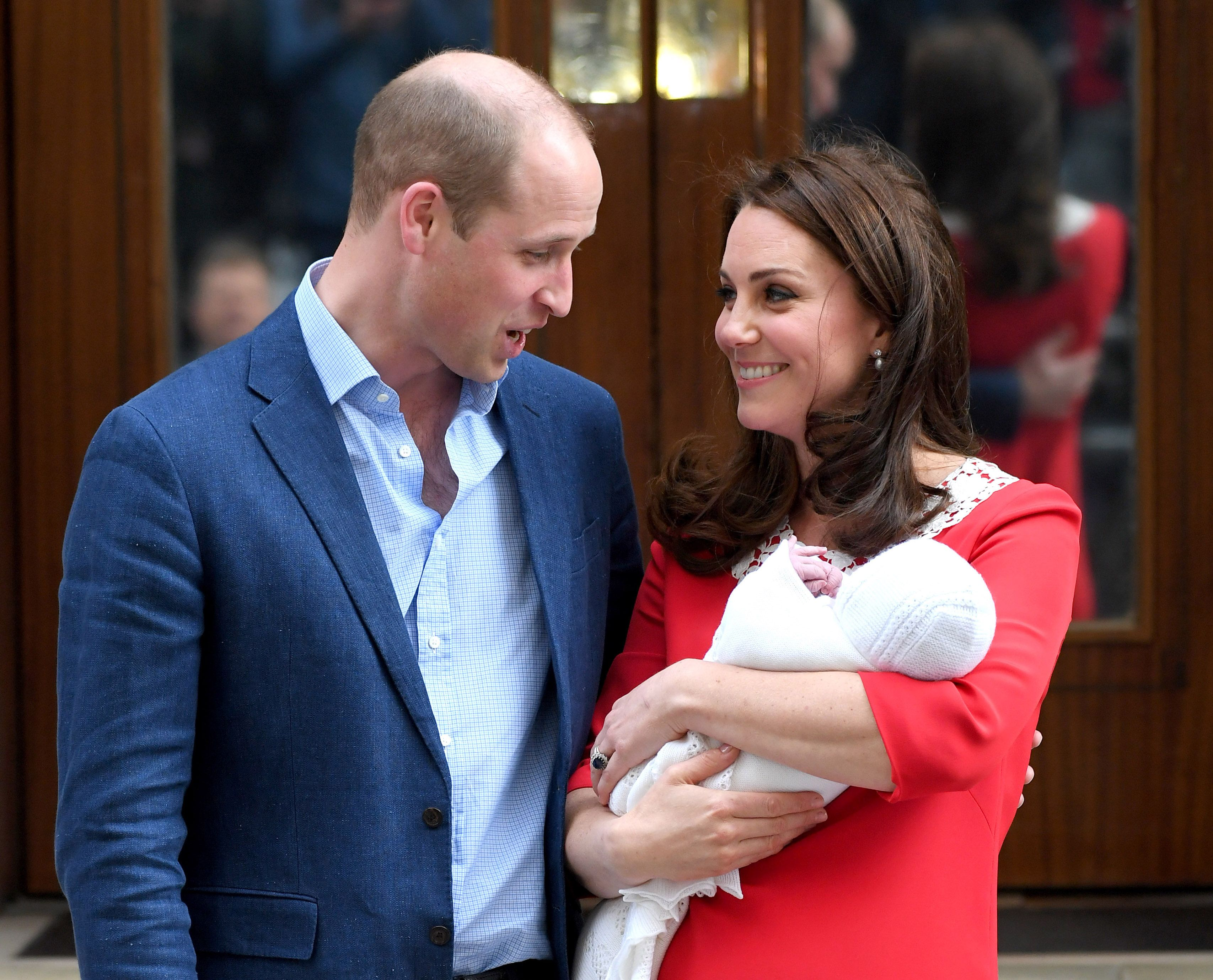 How will royal babys birth be announced