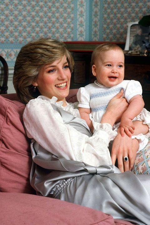 prinses diana en zoons door de jaren heen in foto's
