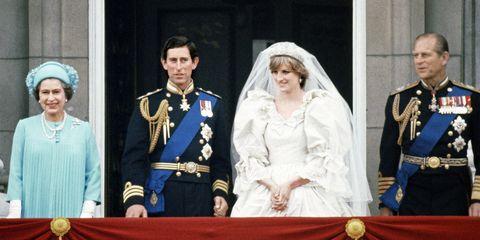 エリザベス 女王 ダイアナ妃 イギリス ロイヤルファミリー