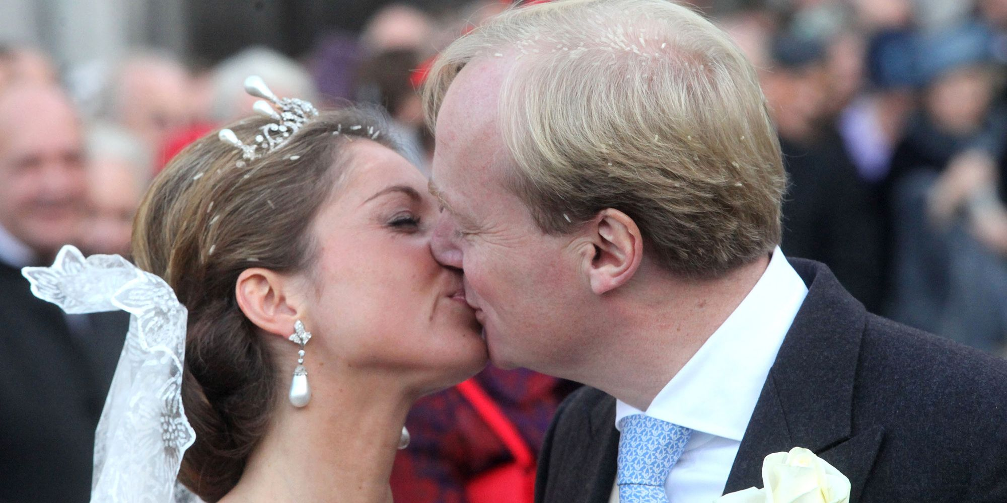 Royal Wedding Kiss.Royal Wedding Kisses Throughout The Years Best Royal