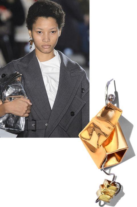 Brown, Collar, Coat, Style, Bag, Blazer, Fashion, Shoulder bag, Camera, Leather,