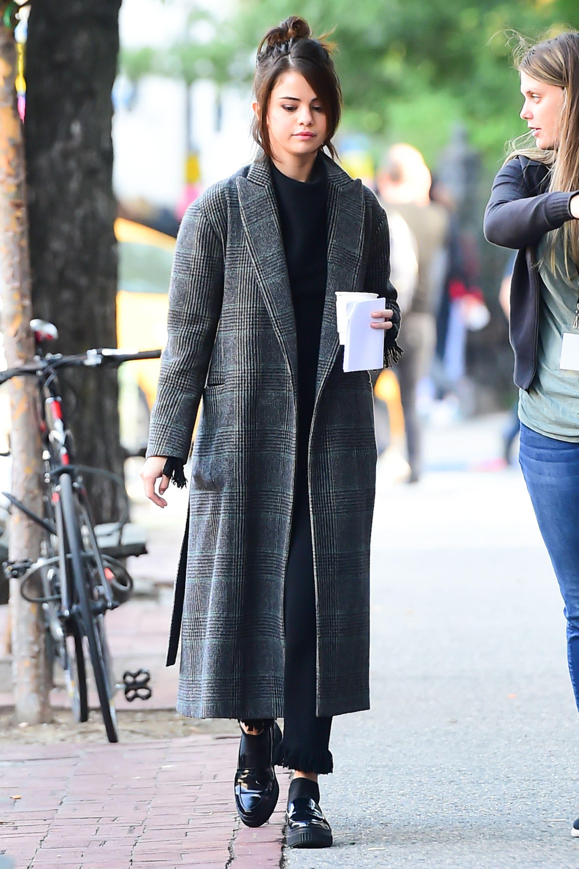 070d1b3d9a9 Selena Gomez s Best Looks - Selena Gomez Street Style