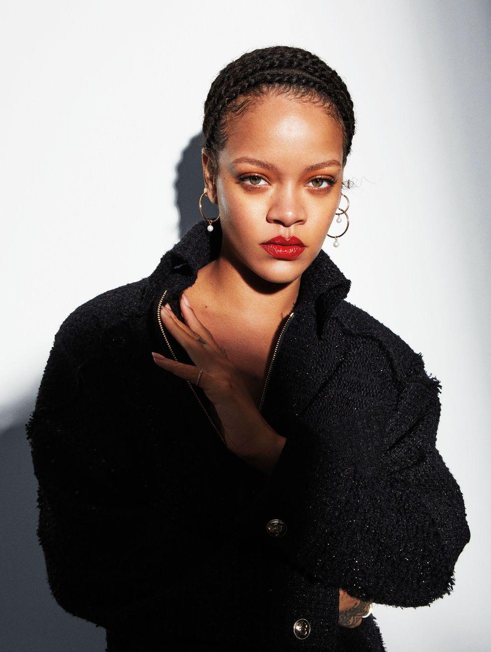 Rihanna  - Σελίδα 7 Hbz-september-2020-rihanna-01-1596039152