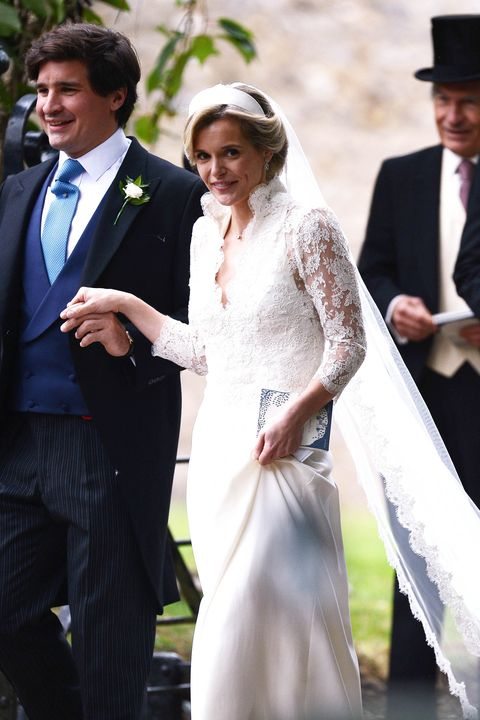 Kate Middleton\'s Friend Sophie Carter Wore A Wedding Dress That ...
